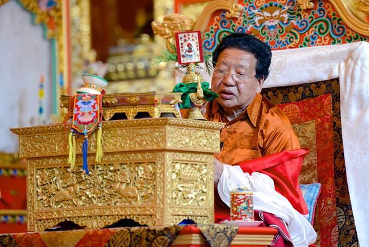 Chöje-Akong-Rinpoche